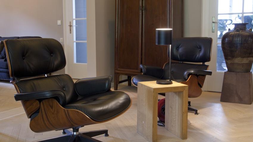 Otočná židle ze dřeva