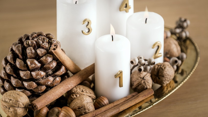 vánoční dekorace - adventní věnec