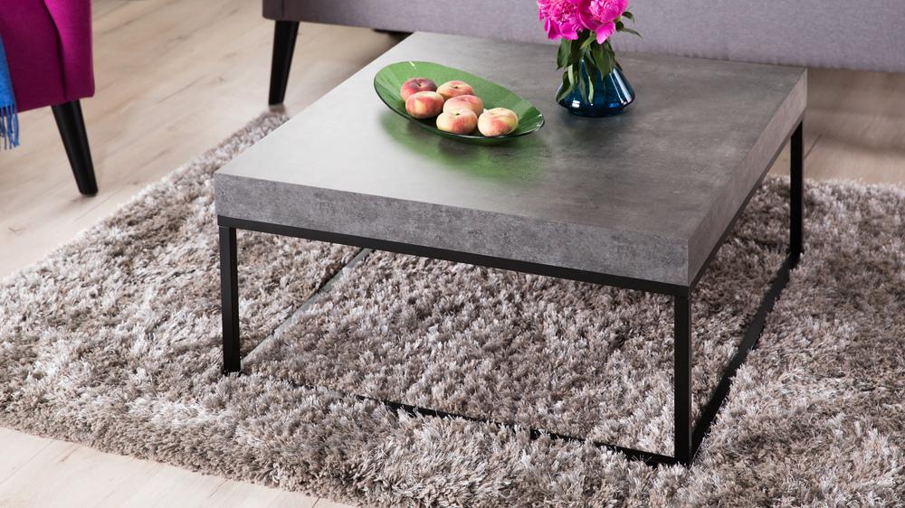 kovový konferenční stolek