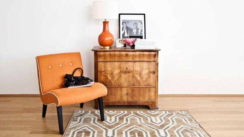 dřevěný vintage nábytek