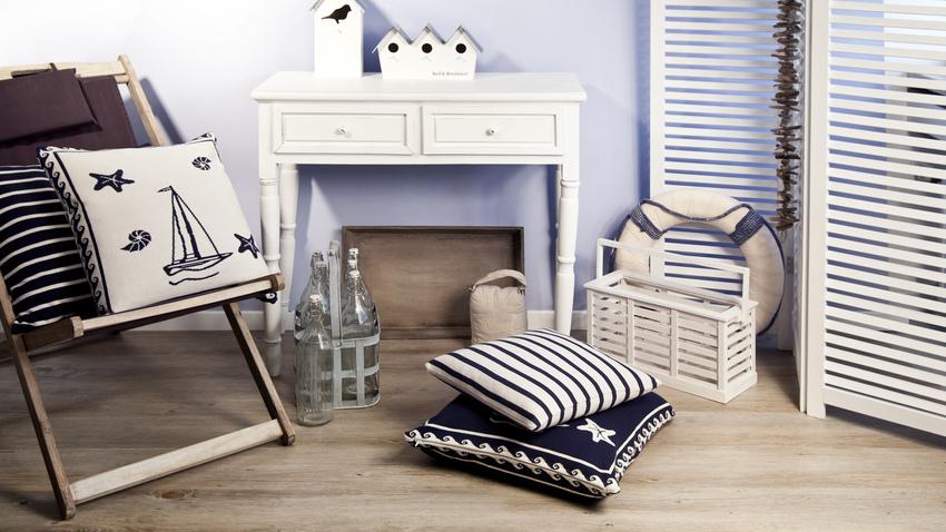 tmavě modré povlaky na polštáře