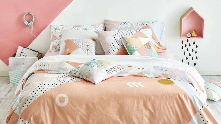 oranžová ložnice