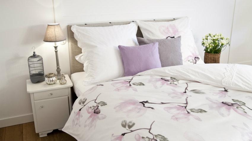 francouzská postel shabby chic