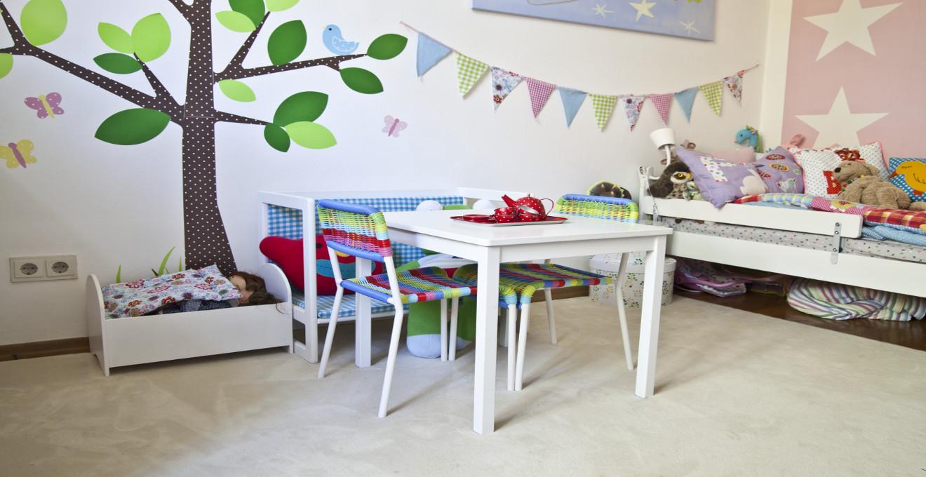 dřevěný dětský nábytek