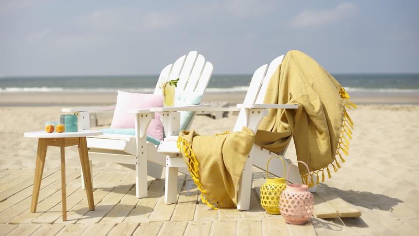 plážový dřevěný zahradní nábytek