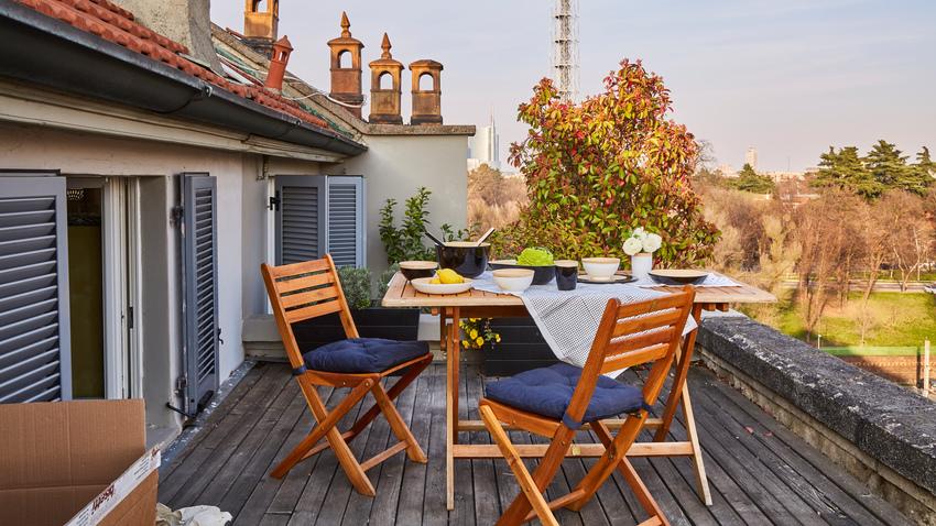 balkonový stůl 80 x 80 a židle