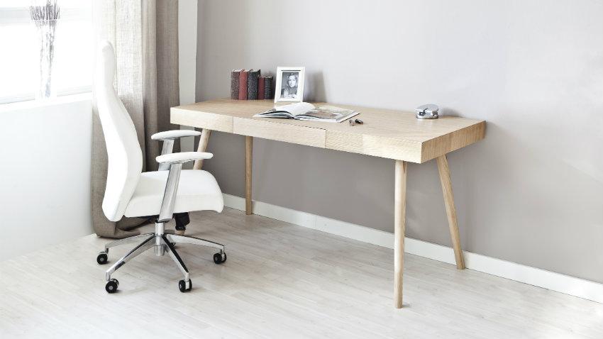 Bílá kancelářská židle