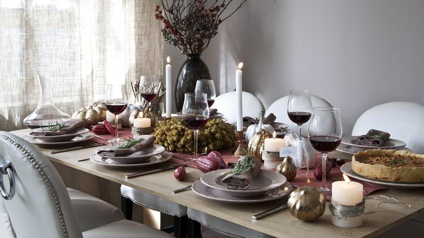 Výsuvný stůl