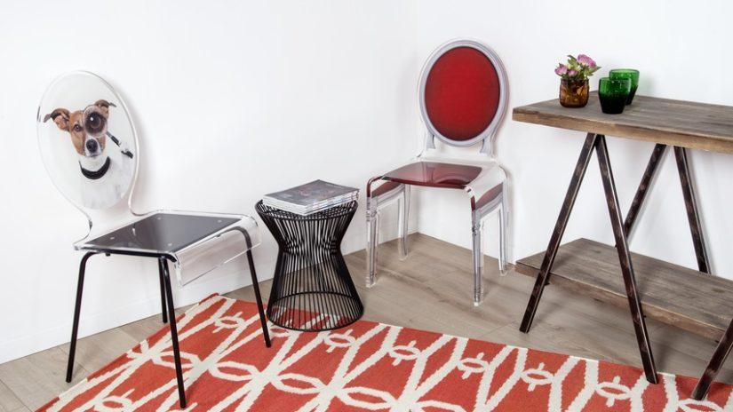 červený designový koberec