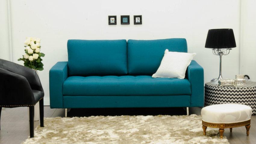 zelenkavý plyšový koberec