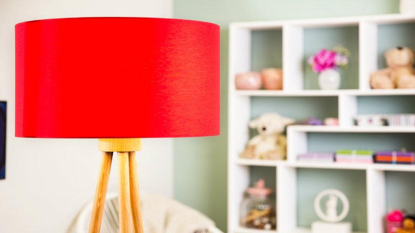 červená dětská lampička