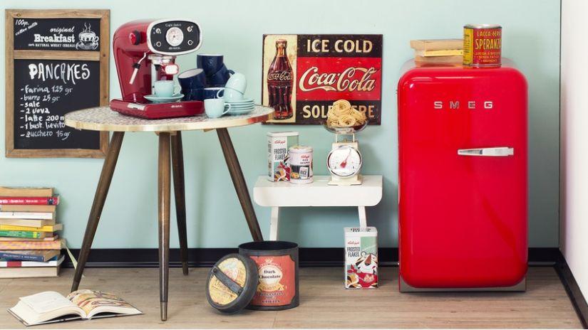 retro styl - červená lednice