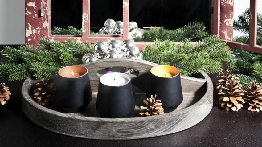 bílo černá svíčka