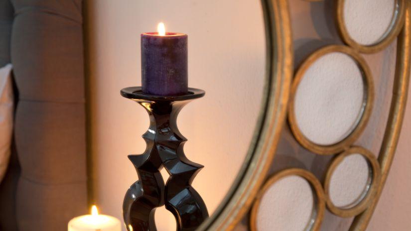 velká černá svíčka