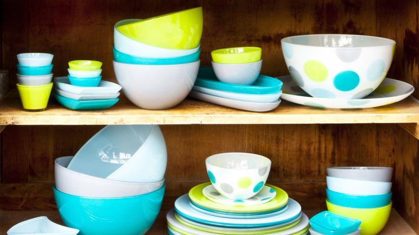 skleněné talíře na polévku