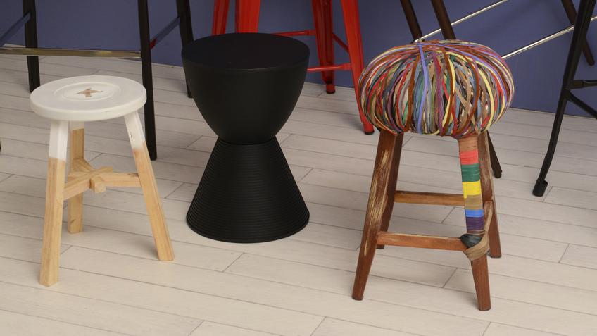 stylová plastová stolička