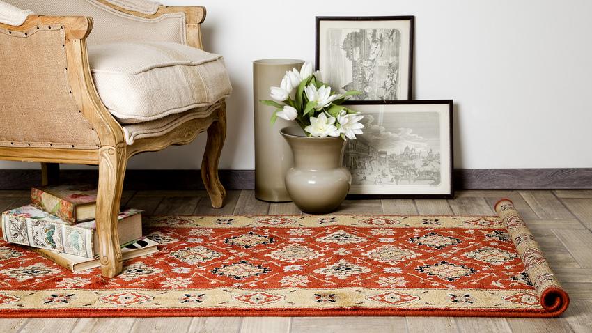 malý koberec Kelim