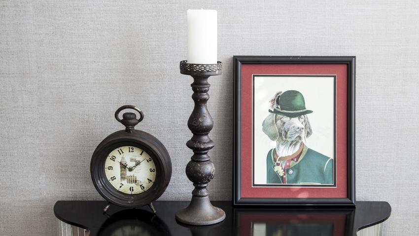 vintage dřevěné hodiny
