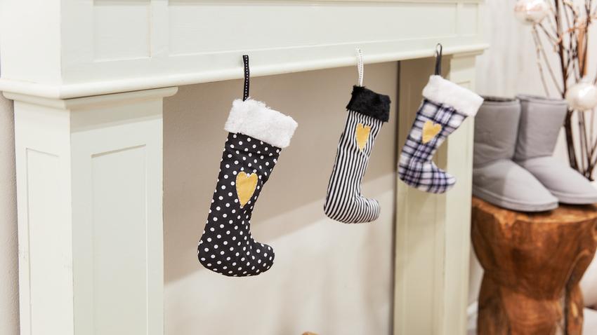 černá vánoční ponožka