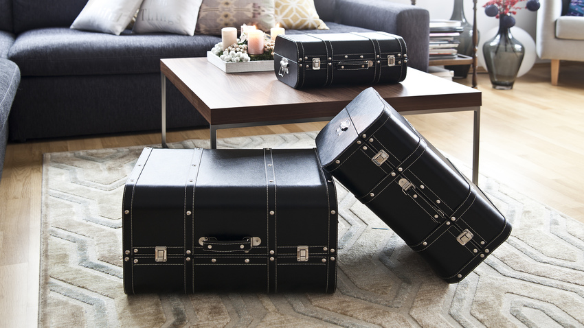černá sada kufrů
