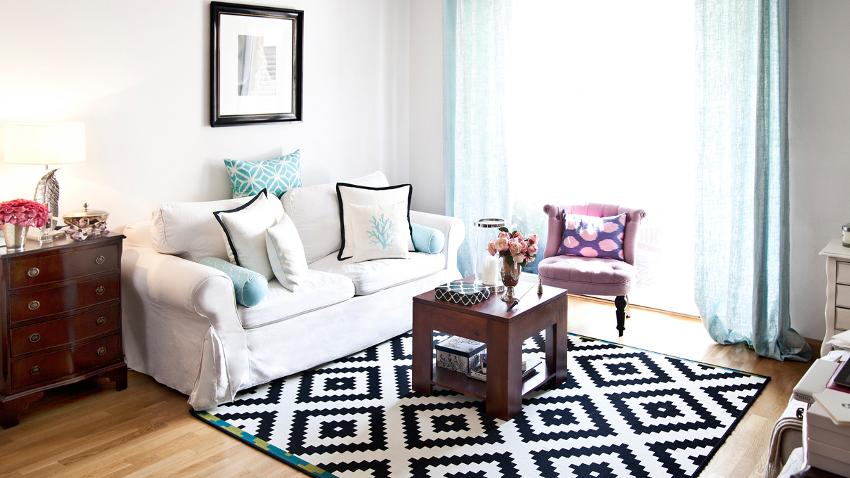 wohnzimmergestaltung mit farbigen mobeln, wohnzimmer einrichten: exklusive wohnideen | westwing, Ideen entwickeln