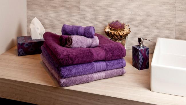 Badgestaltung mit bunten Textilien