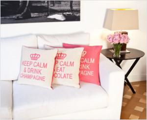Ein Ort Der Opulenz Und Der Gemütlichkeit: Das Wohnzimmer Auf Englisch. Wir  Können Fast Schon Sherlock Holmes Vor Uns Sehen, Der In Seinem Wohnzimmer  In ...