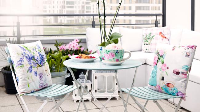 Balkon gestalten mit Gartenmöbeln