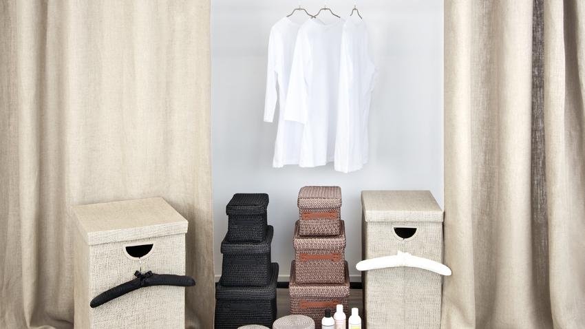 Kleider Regalsystem