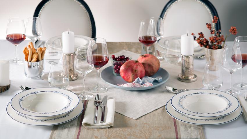 Menü mit klassischer Tischdeko