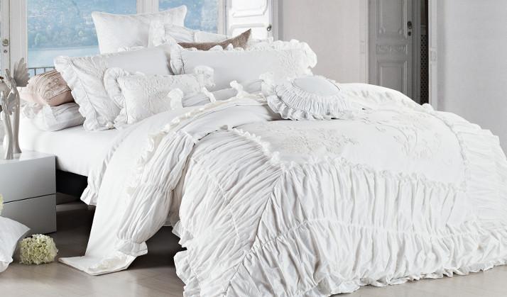irya traumhaft hochwertig jetzt bei westwing. Black Bedroom Furniture Sets. Home Design Ideas