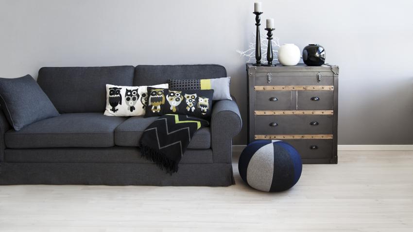 Cojines para sofás negros: una casa moderna | WESTWING