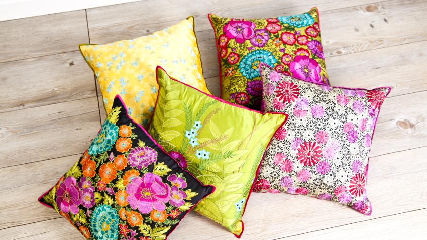 Cojines de flores: un toque de vida en casa | WESTWING