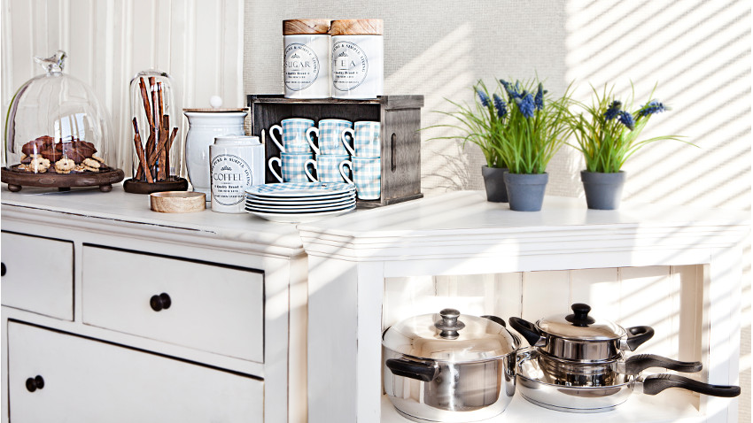 Tiradores de cocina llena de vida tus muebles westwing for Tiradores para muebles de cocina