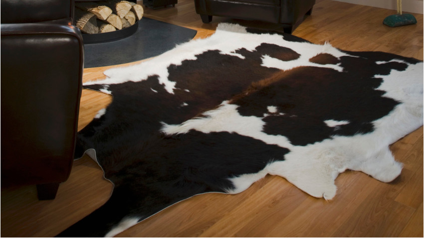 alfombras de piel de vaca 100 animal print westwing. Black Bedroom Furniture Sets. Home Design Ideas