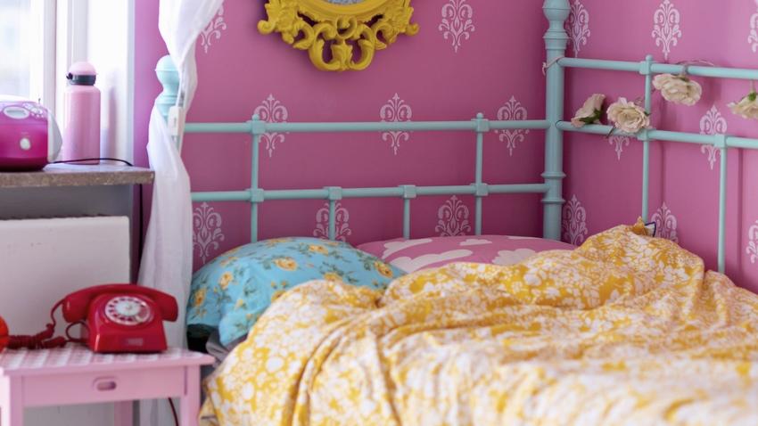 Papel pintado rosa el glamour llama a tu puerta westwing - Papel pintado dormitorio principal ...