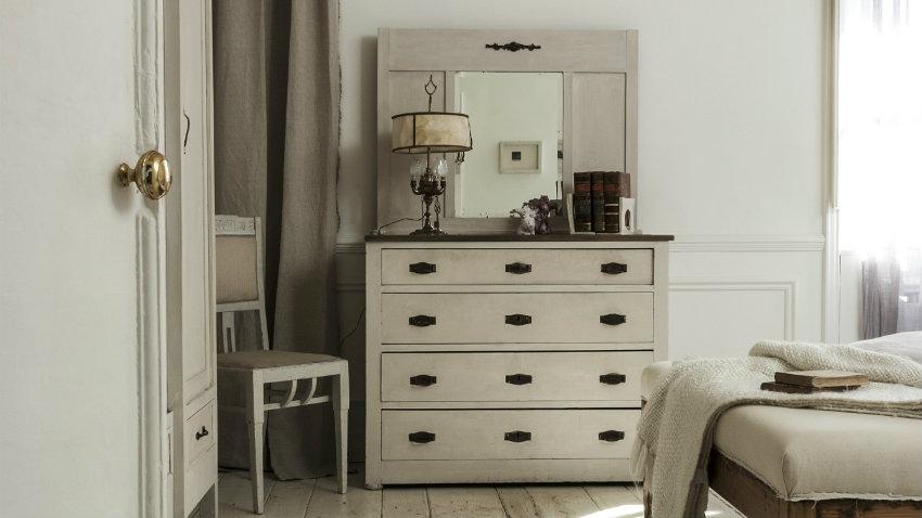 C modas con espejo el mueble perfecto westwing - Comodas de entrada ...