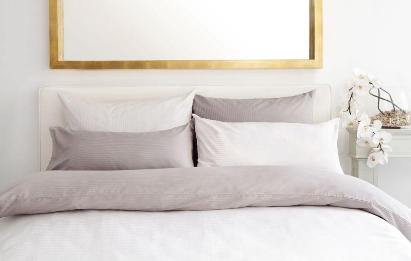 lit pour deux adultes