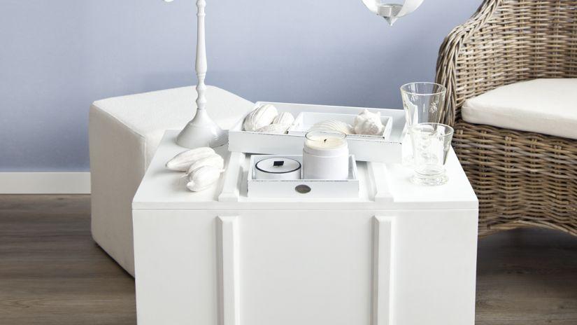 table d'appoint blanche de style maritime