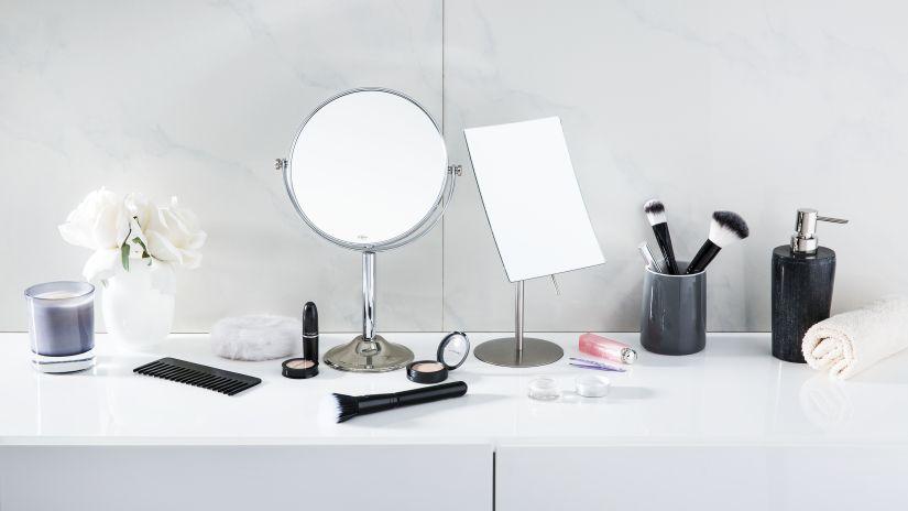 Miroir sur pied rond et rectangulaire