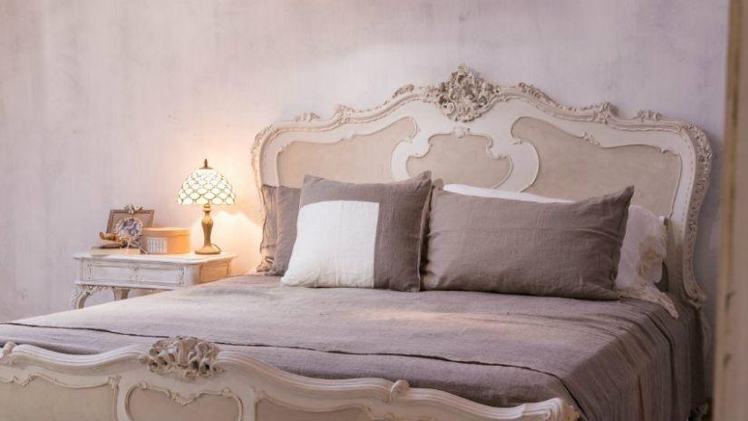 Lit en bois design blanc et crème