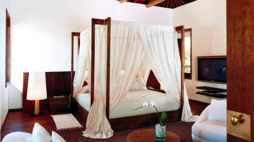 ciel de lit blanc en soie