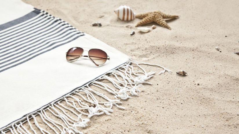 Fouta de plage blanc et bleu