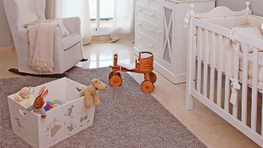 drap lit b b la douceur au quotidien westwing. Black Bedroom Furniture Sets. Home Design Ideas