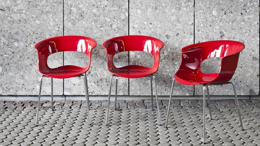 Chaise rouge pour les passionn s du design westwing - Chaise rouge design ...