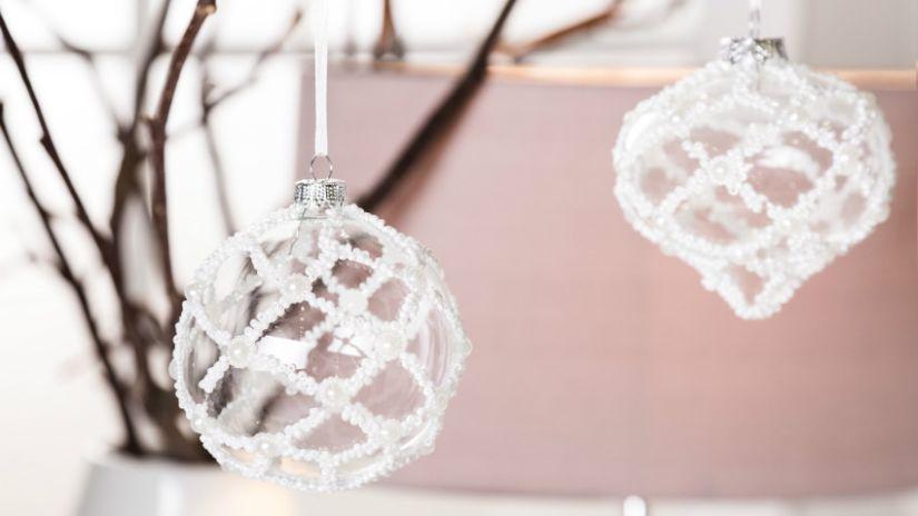Boule de Noël en verre transparent