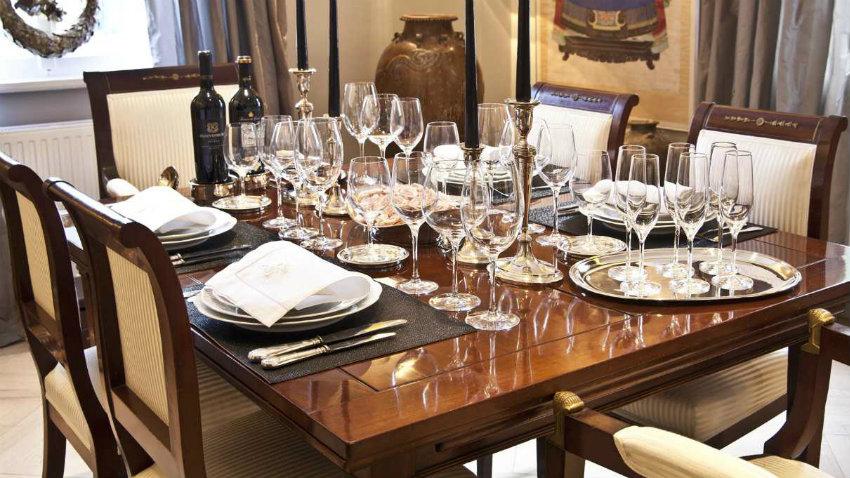 Sedie per la sala da pranzo eleganza in casa dalani e for Lampadari sala da pranzo