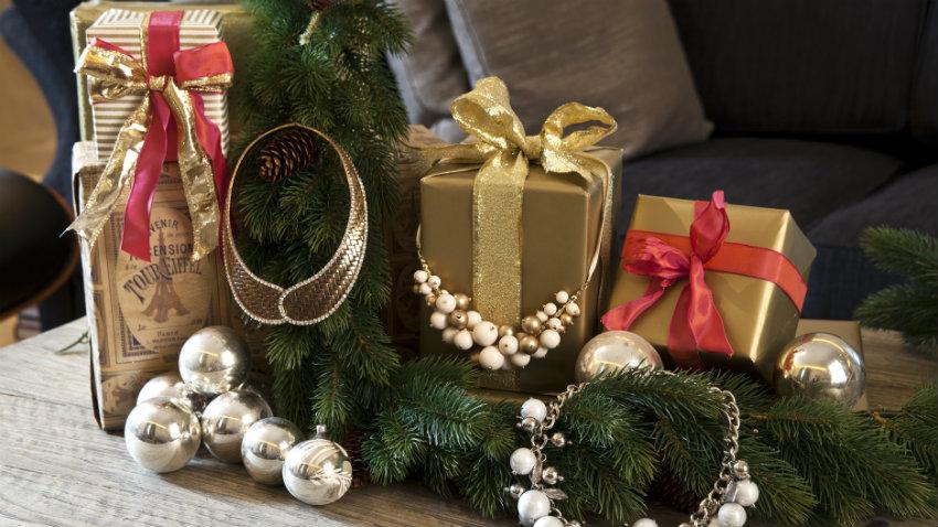 abbastanza DALANI | Cesti natalizi: colorati regali dal cuore ZT67