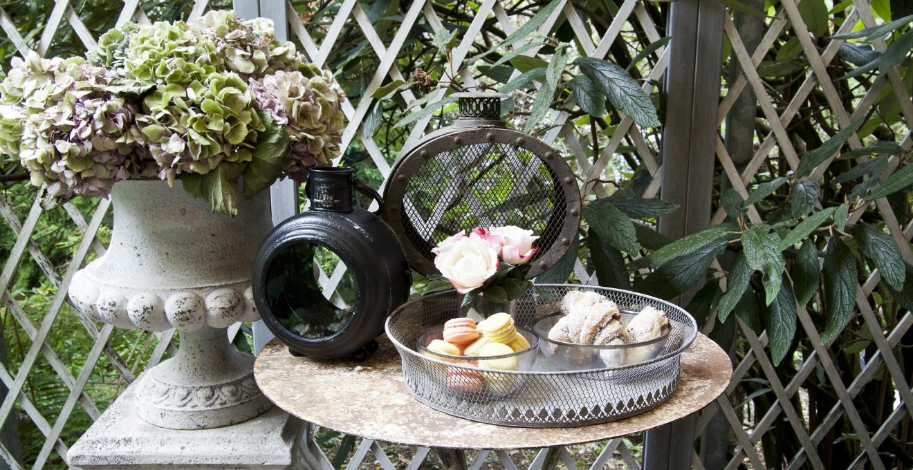 Fioriera con grigliato eleganza e stile in giardino for Fioriera con grigliato