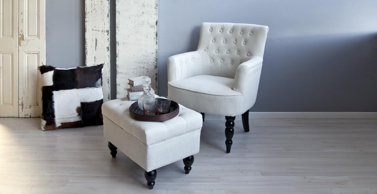 Poltrona bianca eleganza e comfort dalani e ora westwing - Poltroncine per camera da letto ...